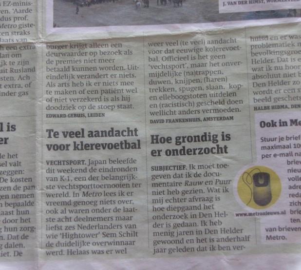 'Klerevoetbal', Metro, 8 dec 2009)