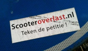 sticker petitie scooter overlast Amsterdam 2012