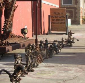 metal dolls Venice beach Alien Predator