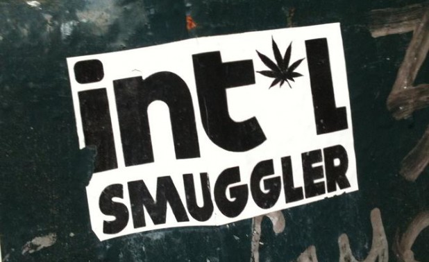 sticker 'intel smuggler' A'dam