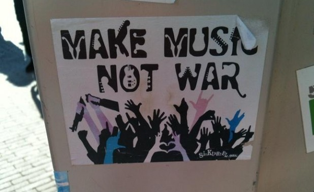 sticker make music not war Amsterdam
