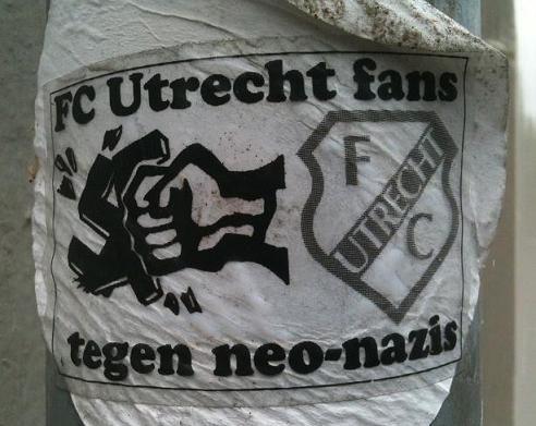 sticker 'FC Utrecht fans tegen neo-nazis'