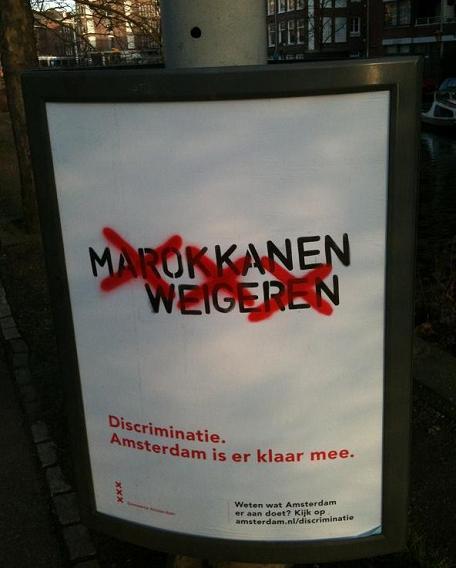 discriminatie Marokkanen weigeren bord tegen racisme