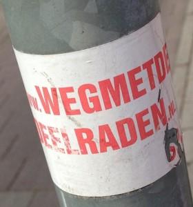 sticker weg met de deelraden Amsterdam juli 2013 SP