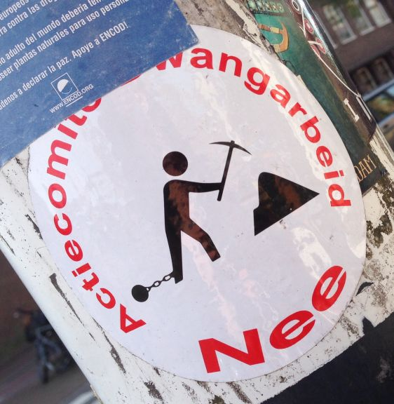 sticker actiecomite Dwangarbeid nee Amsterdam east 2014 April slavery