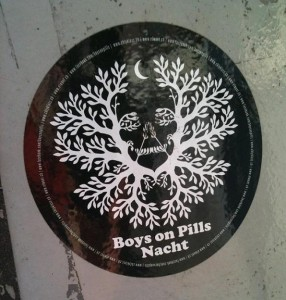 sticker boys on pills nacht Amsterdam