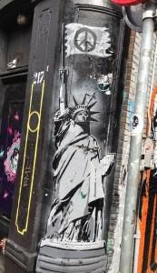 graffiti statue of liberty Amsterdam Spui