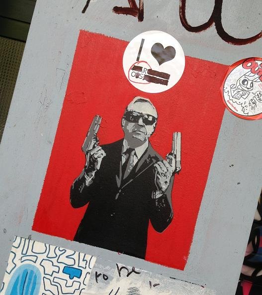 sticker old guy two guns 2 Amsterdam