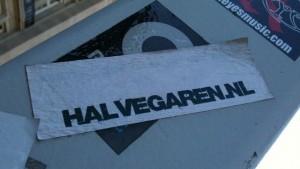 sticker 'halvegaren.nl'