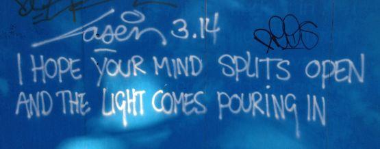 graffiti Laser 3.14 mind splits open light pouring in Amsterdam centrum 2013 oktober