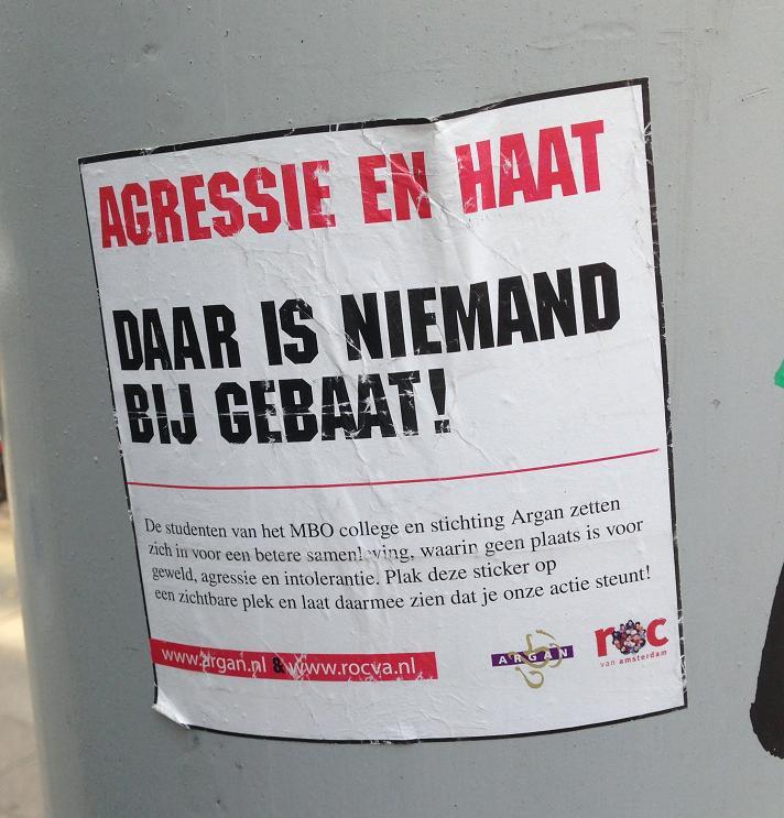 sticker ROC agressie & haat Amsterdam