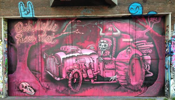 graffiti Narcoze Amsterdam Spuistraat 2014 May oude liefde roest niet car