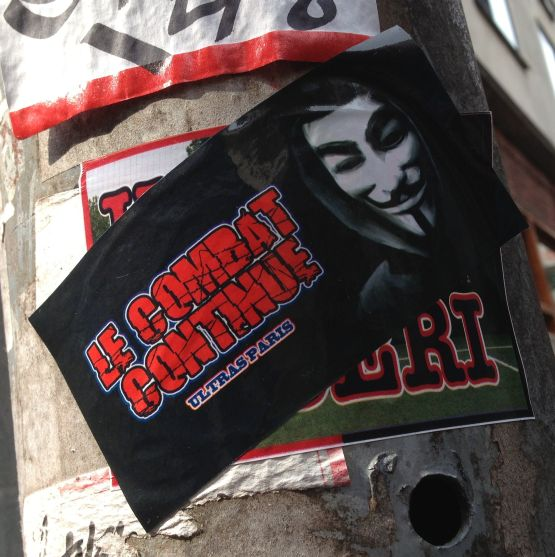 sticker le combat continue Amsterdam center August 2013 Ultras Paris Guy Fawkes