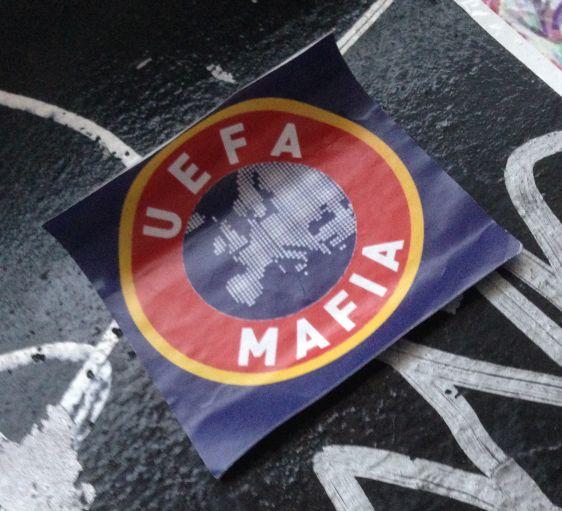 sticker EUFA mafia Amsterdam Spuistraat 2014 November maffia soccer