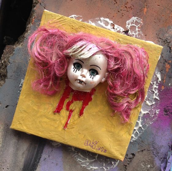 tegel Dus Amsterdam Spuistraat 2013 November girl doll black tears