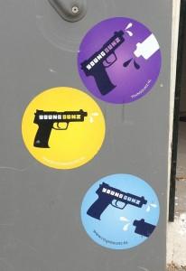 sticker Young Gunz Amsterdam 2013 pistols younggunz.nl