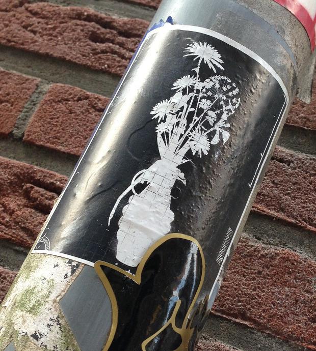 sticker granaat vaas Amsterdam 2013 vase grenade