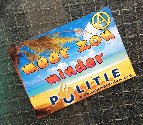 sticker meer zon minder politie Amsterdam juli 2013 agamsterdam