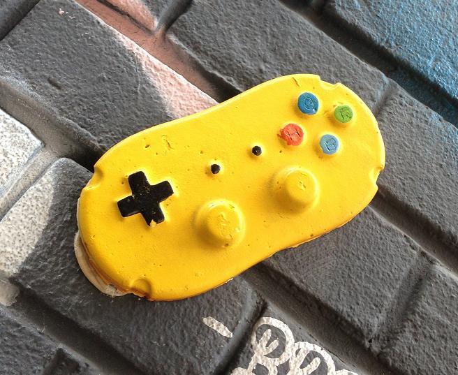 tile Game controller Amsterdam street art 2013 Hero de Janeiro