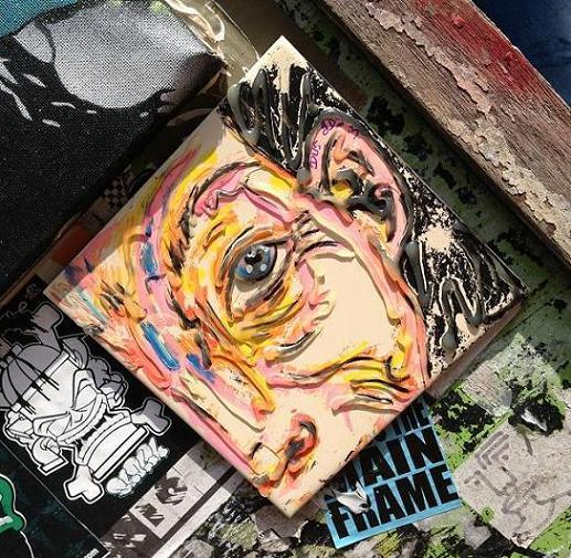 tile street art 'face' Amsterdam Spui 2013 tegel
