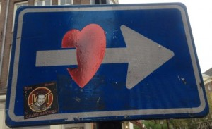 CLET sticker traffic sign heart arrow Amsterdam Spui 2013 November
