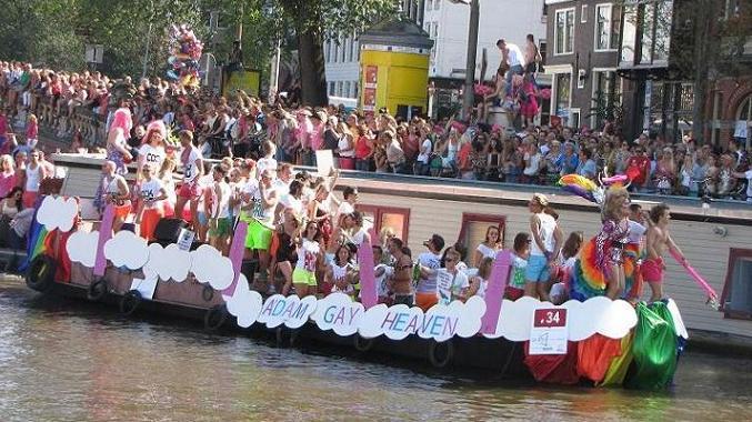 Gay-parade Amsterdam 2013 'Adam gay Heaven'