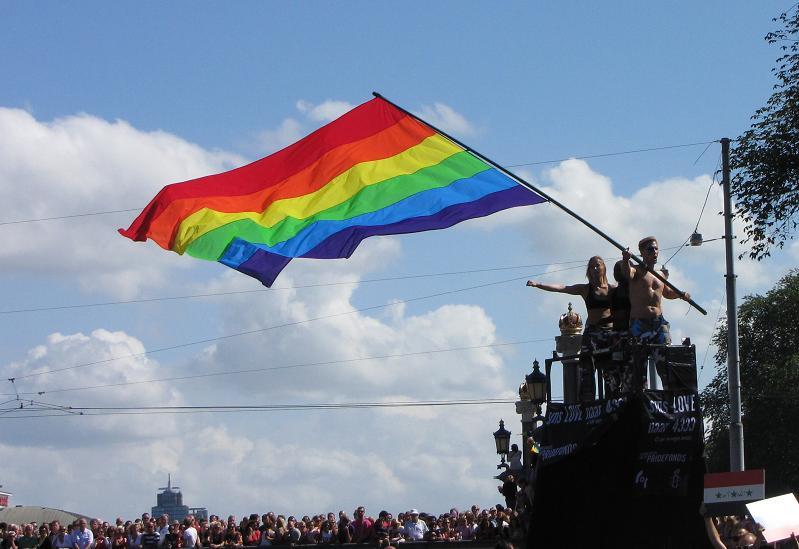 Gay-parade Amsterdam 2013 man flag