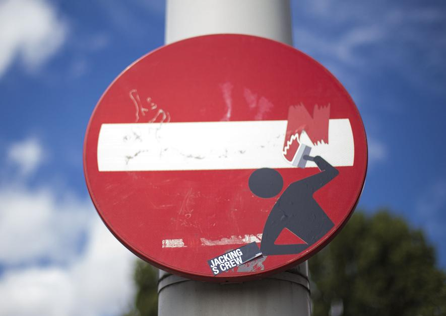 sticker CLET on traffic sign painter photo Maarten Brante Amsterdam 2013 August