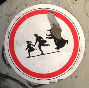 sticker anti-pedo Amsterdam Spui 2013 August Kirchen privilegien