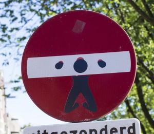 sticker schavot verkeersbord Maarten Brante Amsterdam 2013