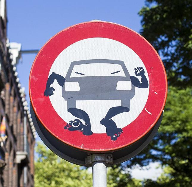 sticker walking traffic sign August 2013 M. Brante photo Amsterdam