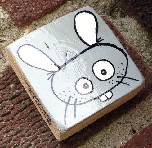 plank Bunny Brigade Amsterdam 2013 September konijn grijs