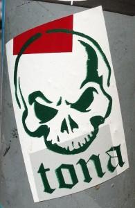 sticker Tona skull Amsterdam 2013 schedel
