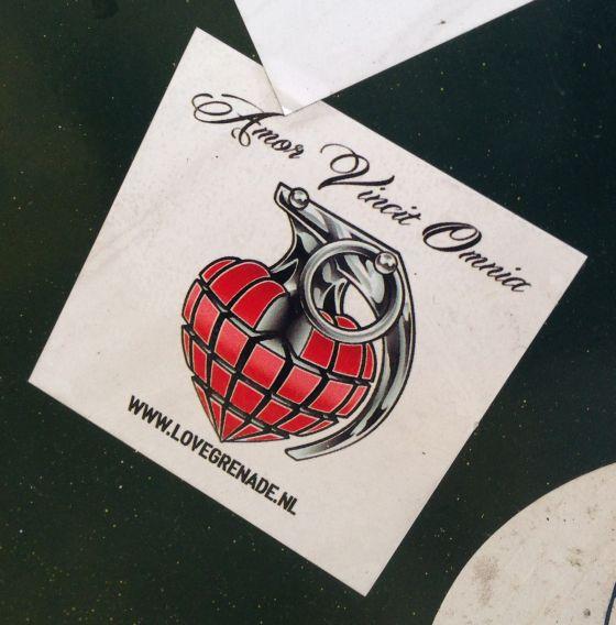 sticker love grenade amor vincit omnia Amsterdam 2013 November