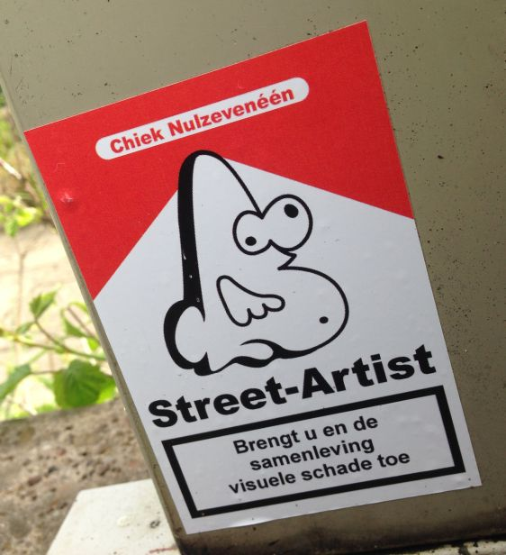 sticker Chiek Nulzeveneen Amsterdam ndsm 2014 May street-artist visuele schade