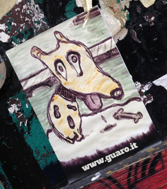 sticker dog bone Amsterdam center 2014 February Guaro.it hondje