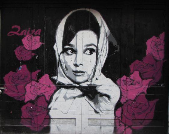 Zaira graffiti street-art woman hijab girl Amsterdam Spuistraat 2014 November