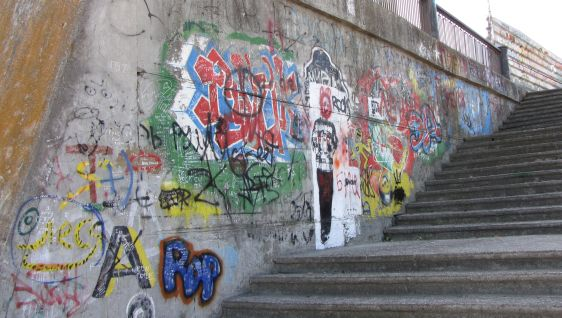 graffiti Tighina Transnistria 2014 October stairs