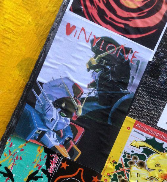 sticker Vinylone robots Amsterdam Spuistraat 2014 November vinyl1